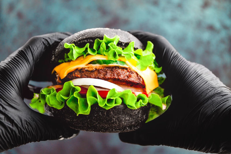 Black Bun Patty Beef Marble BIG Gloves Man Hands Hold Hamburger Burger Grilled person Eat Food Meat Fast Sandwich Eating Holding Hand Hungry Macro Photography Advertising Onion Meal CheeseBurger American Lettuce Closeup Tomato Cheese Hipster Vegetable Dinner Gourmet Snack Fast Food Food And Drink Close-up One Person Unhealthy Eating Human Hand Human Body Part Focus On Foreground Ready-to-eat Bread Lifestyles Real People Take Out Food Temptation Vegetarian Food The Foodie - 2019 EyeEm Awards