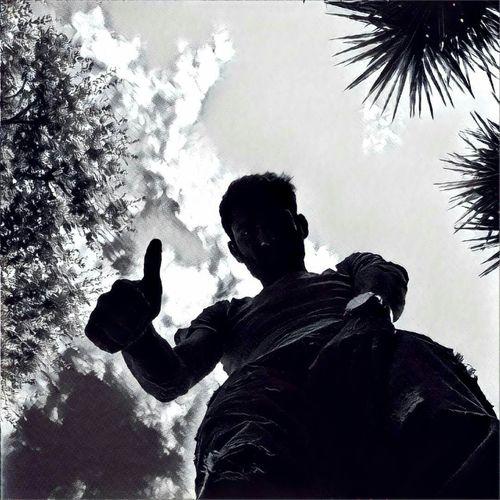 Ok! Taking Photos Nature Photography EyeEm Best Shots EyeEm Gallery People Work Photo Shoot One Person Enjoying Life Hello World Black & White Black And White Blackandwhite Photography EyeEm Best Edits Eyemphotography EyeEmBestPics Eyem Best Shots Outdoors