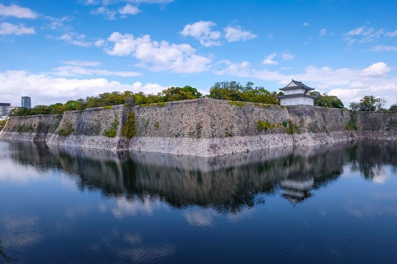 Beautiful blue sky water reflection at Osaka castle Japan Osaka Castle Park Osaka Castle Osaka,Japan Bluesky Water Sky Architecture Reflection Nature Cloud - Sky Built Structure Building Beauty In Nature Plant Lake Building Exterior Tree Travel Destinations Waterfront No People Travel Outdoors Scenics - Nature