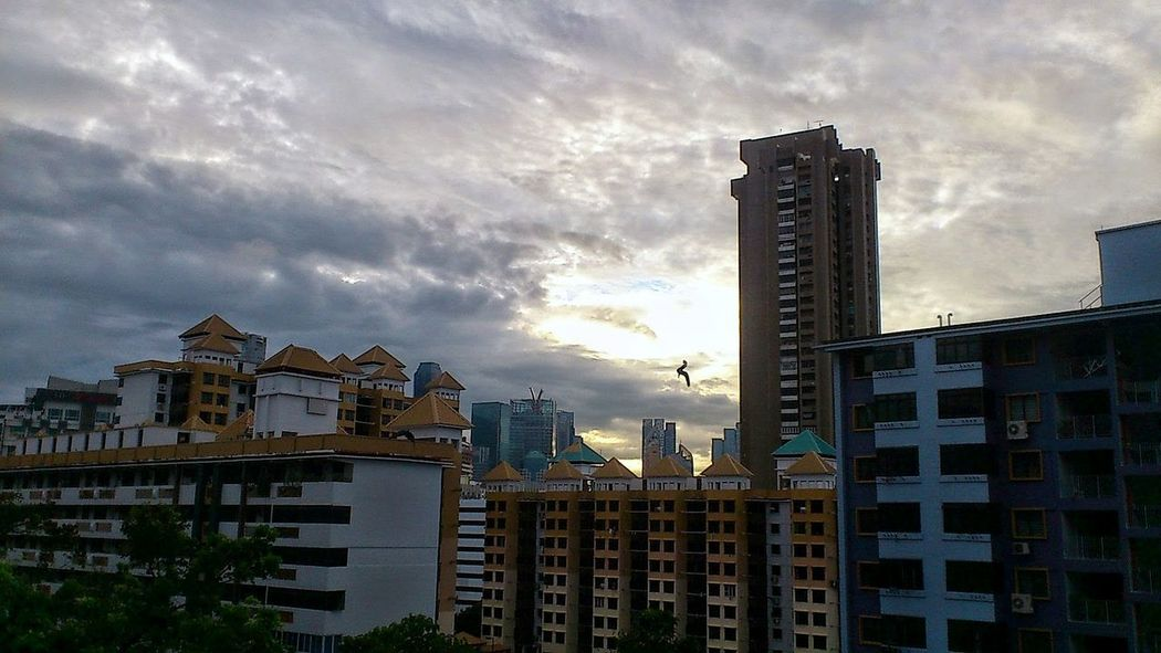Sunset view at Jalan Kukoh housing estates... Snapseed Sky Smartphonephotography IMography Sonyxperiaphotography Singaporestreetphotography 3XSPUnity Sunset Cloudobsession