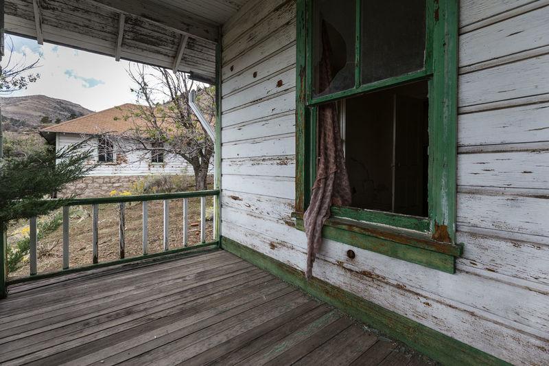 Abandoned No People Paint Peel Rotting Abandoned_junkies Abandonedutah Old Ruin Utah Window