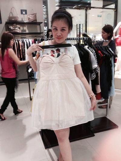 New dress Taking Photos Enjoying Life Relaxing Shopping