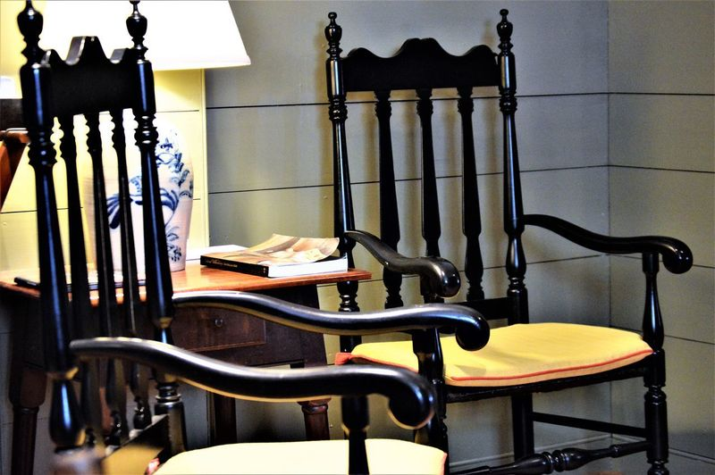 Chairs and Table ~ Liberty Lounge ~ Colonial Williamsburg Chair Chairs And Table Colonial Williamsburg Colonial Style Liberty Loung Chair Chairs Colonial Colonial Home Domestic Room End Table Furniture Indoor Lighting Indoors  Indoors  Lamp No People Seat Still Life Table Table Lamp Wood Chair