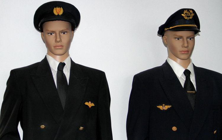 Aviation Aviation Photography Aviationphotography Captain Dummies Dummy Dummy Photos Studio Shot Suit & Tie Uniform
