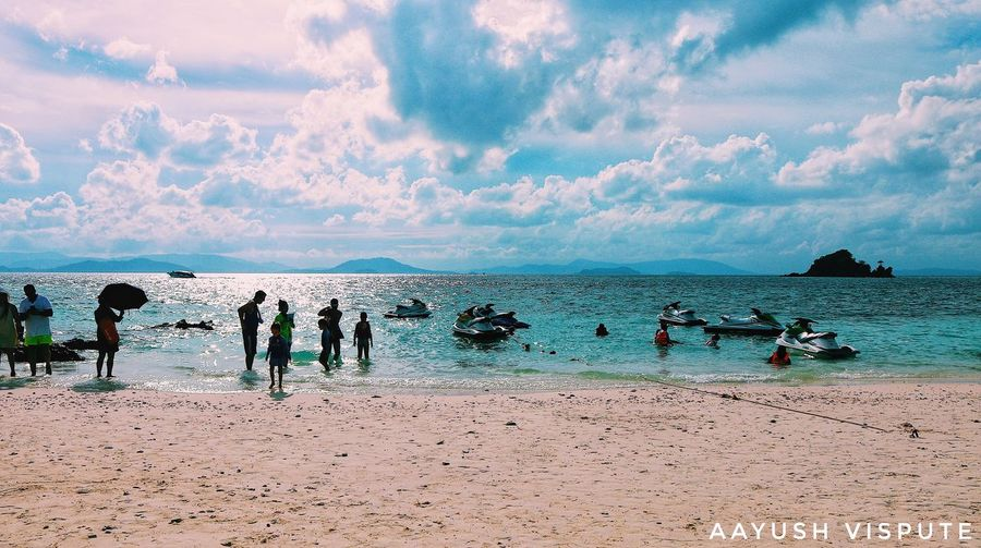 Sea Horizon Beach Sea Water Land Sky Cloud - Sky Group Of People Horizon Over Water Real People Large Group Of People Beauty In Nature Horizon Nature Holiday Leisure Activity Sand Vacations Trip Outdoors Crowd The Great Outdoors - 2018 EyeEm Awards The Traveler - 2018 EyeEm Awards The Still Life Photographer - 2018 EyeEm Awards EyeEmNewHere