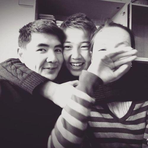 Аскар Бакай вклассе ребят_вы_самые_классные_и_крутые 9А Selfie_with @askarkanybekov