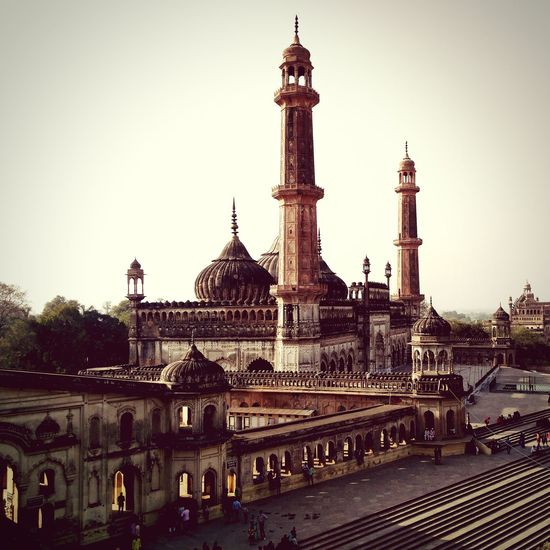 A visit to Lucknowi nawabs territory. Mugalarchitecture Baraimambara Cityofnawabs Lucknow Special Architecture Mosque Architecture While Sunset One Plus 2 Photography Incredible India My Year My View