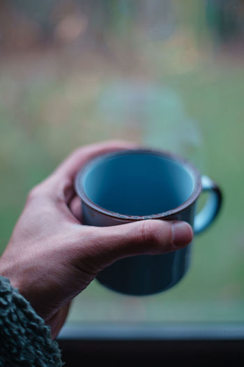 Human Hand Cup Drink Hand Food And Drink Mug Holding Human Body Part Refreshment One Person Coffee Focus On Foreground Tea Hot Drink Close-up Real People Coffee - Drink Coffee Cup Tea Cup Tea - Hot Drink Body Part Finger Human Limb Crockery Drinking