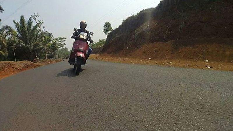 Go Ride Vespa Vespagram Vespalover Bopscoot foto by @vmennn