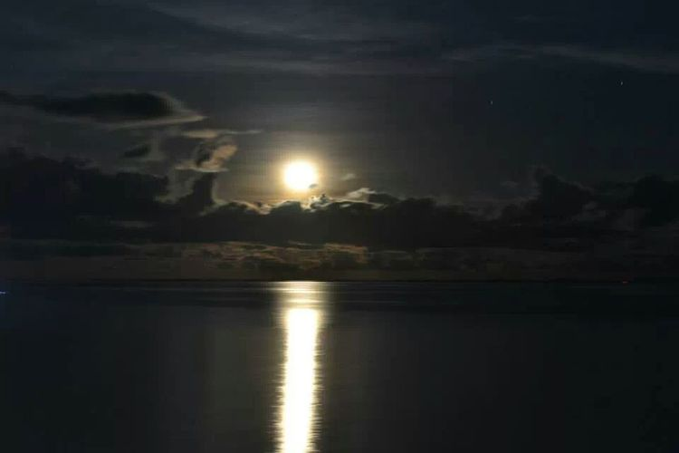 Taking Photos Nighty Nigh Goodnight Moon Beauty Shoot