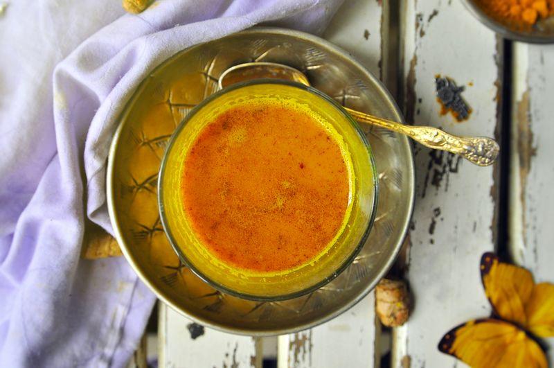 Kurkuma Goldenmilk Recipe Rezept Food Photography Von Oben Foodstyling Still Life Drink HotDrink Foodphotography Vegan Veganfoodporn Almondmilk Ricemilk