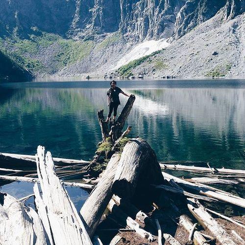climbing around on logs again || 📷: @golden_olden Hiking Ourpnw PNWonderland Northwestisbest adventureisoutthere lakeserene vscocam
