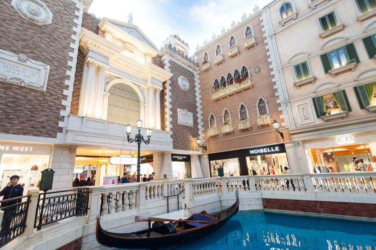 The Venetian Macao is a luxury hotel and casino resort in Macau owned by the American Las Vegas Sands company. Architecture Building Exterior Built Structure Casino Cloud - Sky Cotai CotaiStripMacau Cultures Day Hotel Interior Interior Design Macao  Macao China Macau Macau, China Outdoors People Shopping Shopping ♡ Sky The Venetian The Venetian Macau Resort Hotel Travel Destinations Venetian