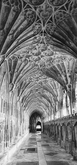 Photowalktheworld Cathedral Black And White Mobilephotography Blackandwhite Oneplus6 Gloucester Church Arch Architecture Abbey Monastery vanishing point Diminishing Perspective The Way Forward Arched Passage Colonnade Passageway Historic