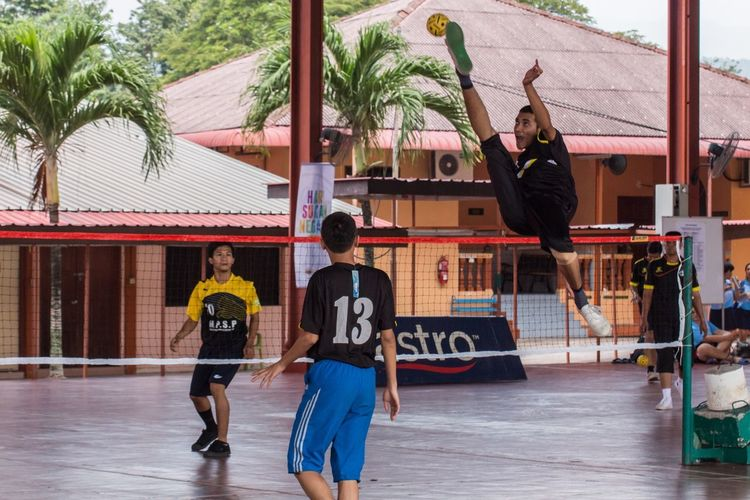 Reaching up Sport In The City SepakTakraw HariSukanNegara Canonphotography Sports Photography Canon700D Tamron70_300mm EyeM_Malaysia Sports