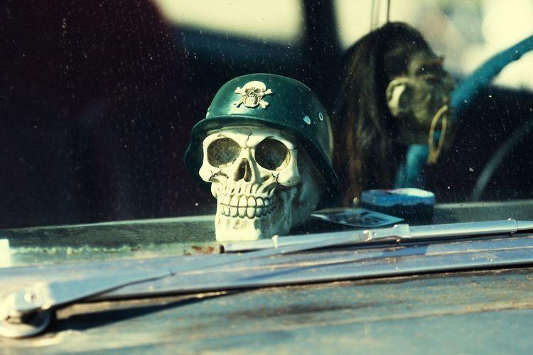Rømø Motor Festival Skull Danish Race Rømø Danmark Rømø Totenkopf Car Window Dänemark Denmark 🇩🇰 Smiley Face September 2016 Faces Of Summer Smile Schädel Helm Focus Object
