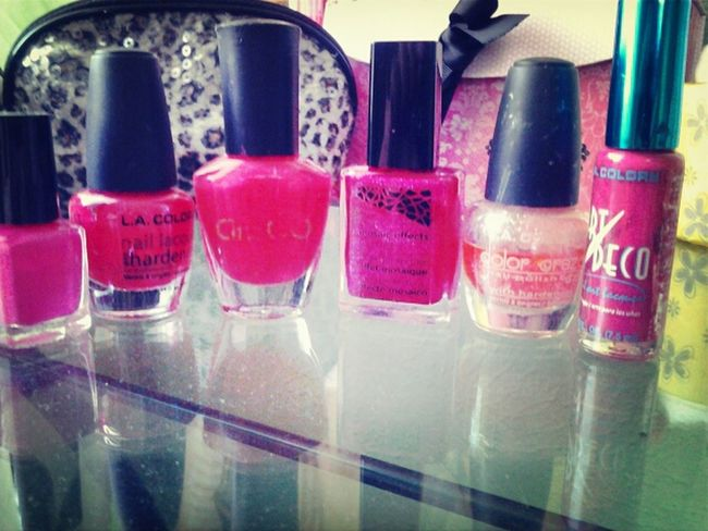 Most of my nailpholish are different kind of pink , gotta love pink nailpolish <3 !