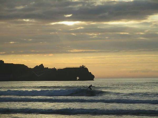 Surf's Up Sea And Sky Eyem Asturias Waves Sea Life Vscocam Beautiful Nature LoveNature Good Vibes Naturelovers Seascape Surfing Surf Photography Sunset Gold Sky Sea Vscogood Asturias Summermemories