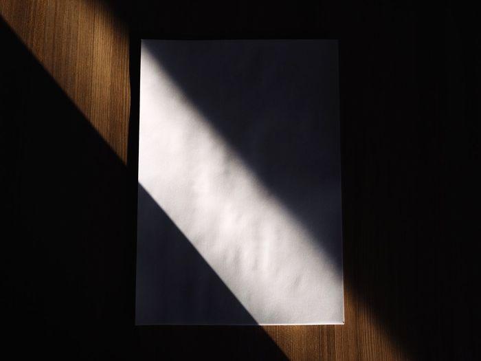 Raio de Luz na Folha Branca Selecao Paper Light Bright Luz Pontual Linha Diagonal Rastro Branca Folha Brilho Luz