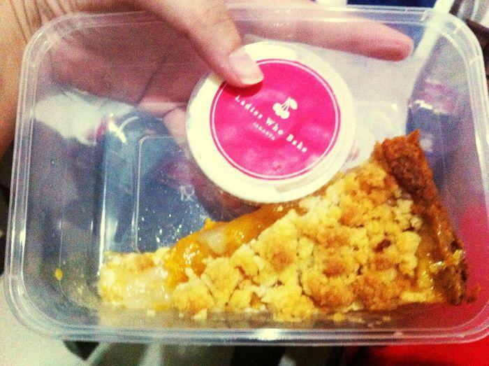 OrangeCrumble Cake Sweet💖 Ladieswhobake