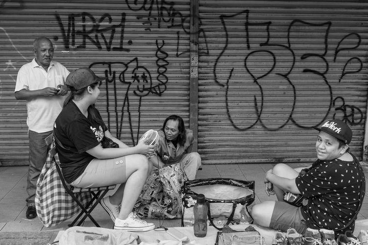 Kuala Lumpur October 29, 2016 Black And White Day EyeEm Best Shots EyeEm Gallery Flea Market Flea Markets FUJIFILM X100S Kuala Lumpur Kuala Lumpur Malaysia  Mahfuz Jaffar Outdoors People Still Life Street Street Photographer-2016 Eyem Awards Streetphotography