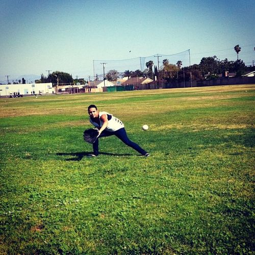 Took a break from watching movies to play catch with my lil bro 😊⚾ Break Catch Baseball Softball park niceday fun oc caligirl simplybeingalice color collegelife lilbro practice