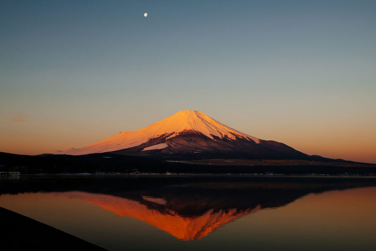 Fuji san. Beauty In Nature Fuji San Japan Lake Mount FuJi Mountain Mountain Range Mountain View Orange Color Sunrise Tranquil Scene Yamanashi