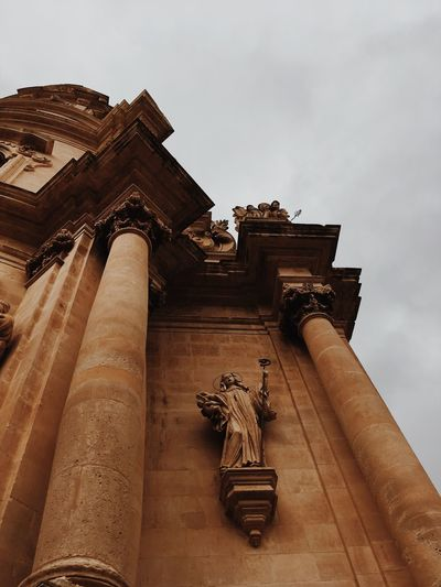 EyeEm Best Shots Sicily Ragusa Ibla, Sicily EyeEmNewHere EyeEmBestPics VSCO Architecture Built Structure Sky Building Exterior Low Angle View Belief Religion Spirituality Place Of Worship Building The Past History Tourism It's About The Journey