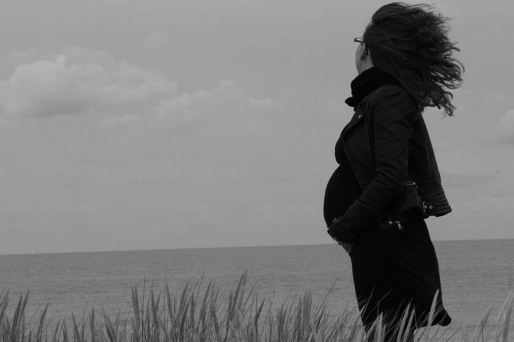 Femme Enceinte Grossesse Nature Sea Tranquility Women A New Beginning