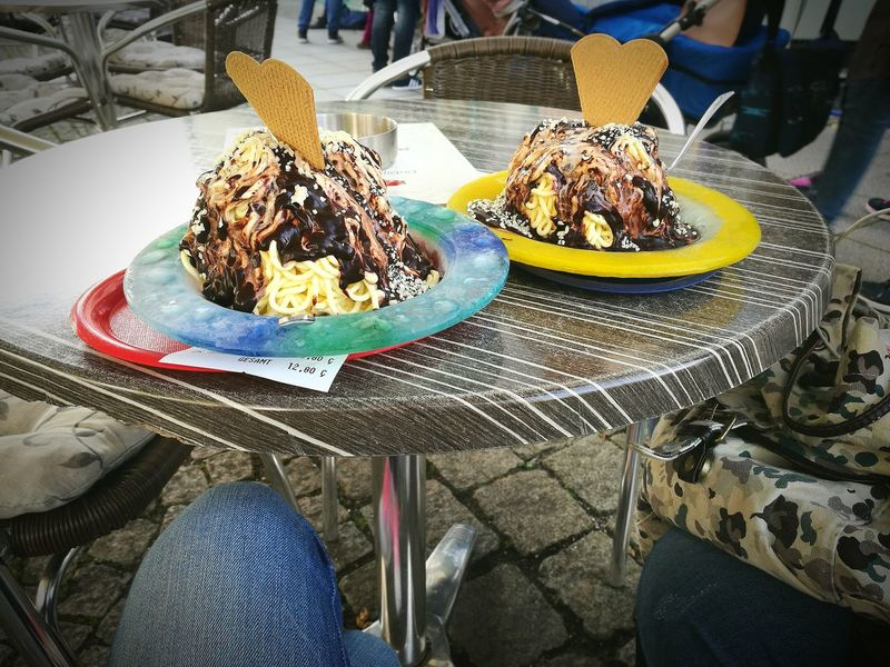 Actually, it's too cold for eating ice cream... But my best friend and I, we just don't care😂 Ice Cream HuaweiP9 Freilassing Bavaria Germany Love It Dessert Sweet Food Spending Time With My Best Friend Foodporn ShareTheMeal