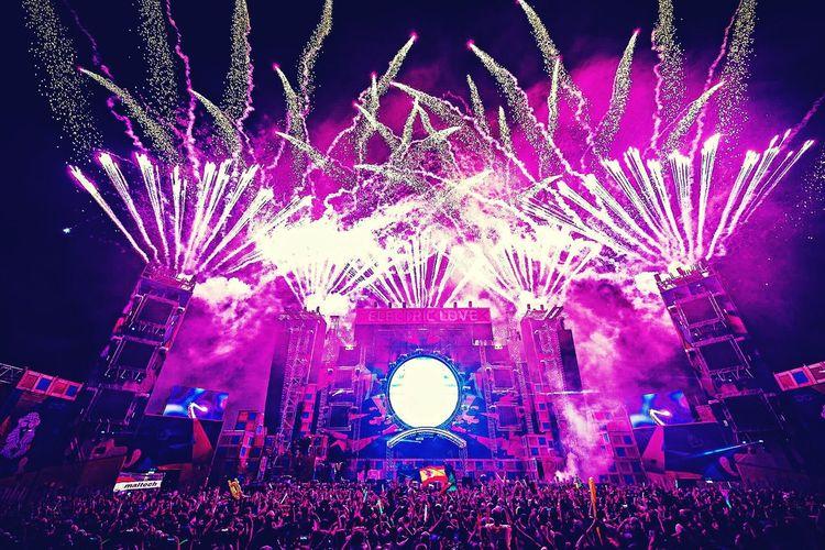 Electronic Music Festival Nightlife