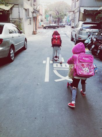 Heading to school with our scooters! Wanna be this cool like us? Scooter Heading Outt ✌ Cool Kids