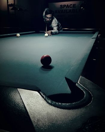 Sport Leisure Games Pool - Cue Sport Pool Ball Pool Table Indoors  Ball Snooker Ball Pool Cue Competition One Person Adult Snooker People EyeEm Gallery Eyem Gallery Low Section One Man Only Eyem Best Shot Traveling Home For The Holidays
