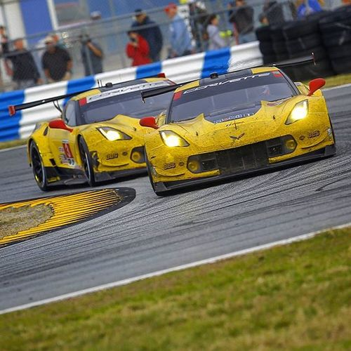 These two have been giving a hell of an impressive show this entire weekend. . . . . . Chevrolet Chevy Corvette Racecar GTLM GT Hairpin Turn Dis Daytona Daytonainternationalspeedway Rolex Rolex24 Racetrack Track Canon Photographer Weathertech IMSA Fire