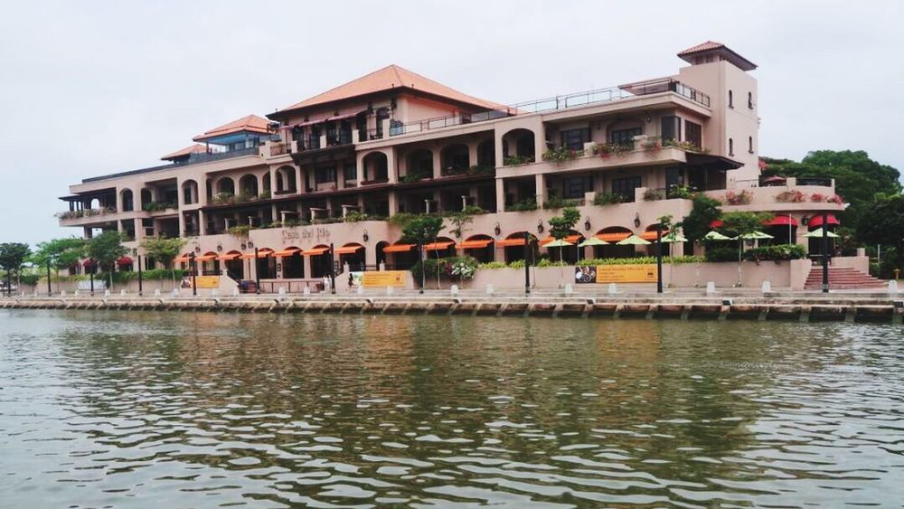 Melaka river side.... Beautiful Hotel Canon G7x Mii