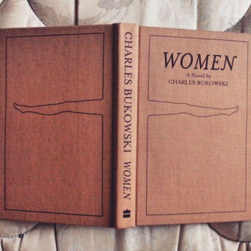 Women Book Bukowski Porteaperte