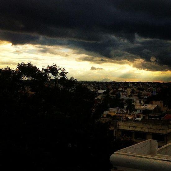 Bangalore Bangaluru Evening Instabangalore Instaevening Ssunshot Goodevening  Random Click Sheshadripuram Clouds Sunset Namma_karnataka Nammakarnatakamemes Instaphotography VSCO Vscocam Tree IPhone Hostel Outview Karnataka India