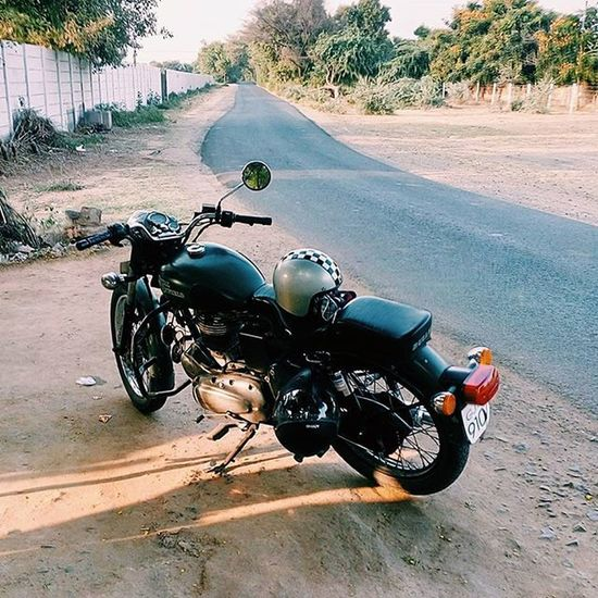 Beating the Monday blues! What about you? Royalenfield Roadtrip JustGetOut Rideon Mondayblues Countryroads RideOrDie LoveForTheRoad Ironandair Motorcycle Bikersofinstagram Freedom Life