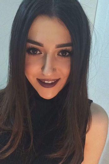 Happy Smile Selfie ✌ Young Women Black Hair EyeEm Gallery Photooftheday Makeup Makeupartist Eyeemphoto Night Nofilter Me EyeEm