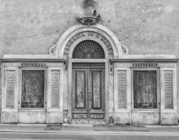 OLD PHARMACY Old Pharmacy Pharmacy Florence Tuscany Architecture Built Structure Outdoors Day Building Exterior No People