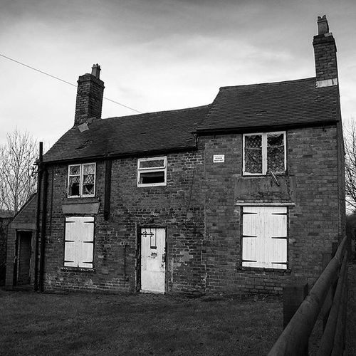 Cottage at Wrens Nest in Dudley this was once a coal merchants cottage. AInstagood Igers IGDaily Instapic Nature Walking Countryside Rural Outdoors Dudleycouncil Dudley Blackcountry Blackandwhite Leica Leicacamera Monochrome Derelict Abandoned Wrensnest