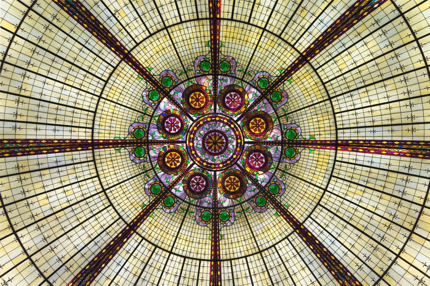 Stained Glass Stained Glass Window Glass Colors Architecture Architecture_collection Architectural Detail Architecturelovers Modern Glass - Material Famous Place Symmetry Symmetrical Symmetrical Architecture