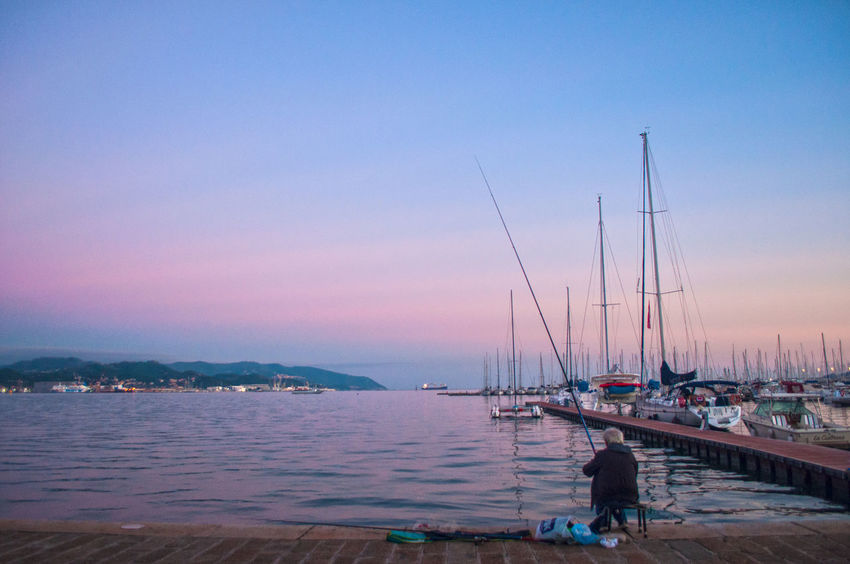 Calm Cannadapesca Cielorosa Fisherman La Spezia Liguria Mare Pesca Pescatore Port Porto Rosesky Sea Sky Sunset Tramonto Tranquil Scene Water