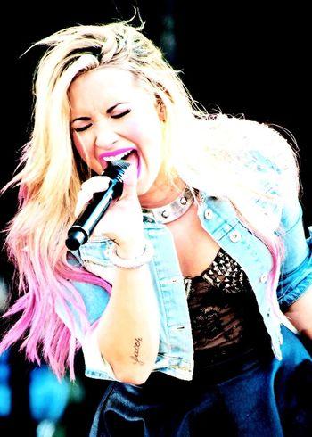 Demi Lovato ❤ Princess ♥ Lovatics Lovatic Girl Demi