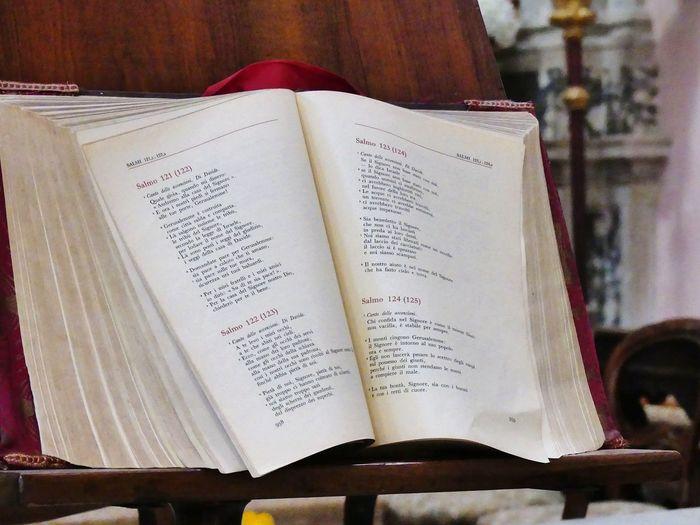 Book Altar