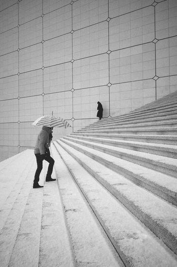 La Defense France La Defense Paris Stairs Blackandwhite La Grande Arche Monochrome Streetphotography Umbrella