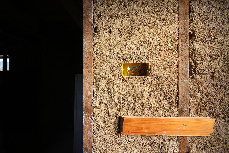 Wall-eee No People Gold Colored Indoors  Close-up Architecture Wood - Material Alternative Natural Building Hemp And Lime Hempcrete Wall - Building Feature Dried Hemp Hemp Fiber Indoors
