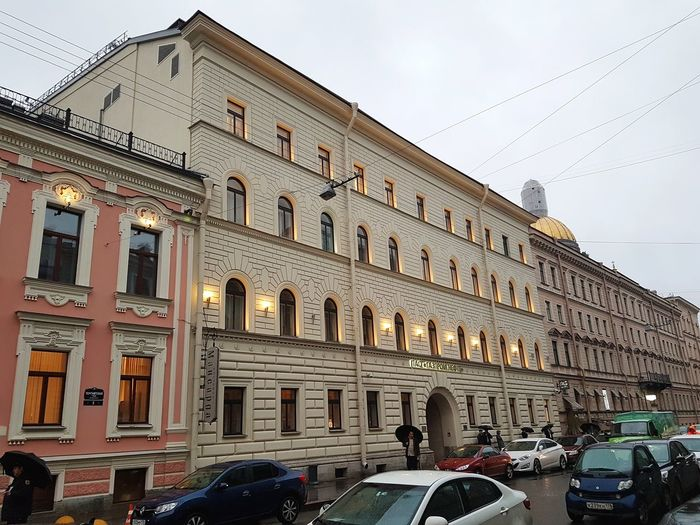 Old buildings in St Petersburg Saintpetersburg Stpetersburg Russian Russia Architektur Architettura Building Buildings Arquitectura Arquitetura Санкт-Петербург Street Lights Night Old Buildings City History Sky Architecture Building Exterior Built Structure