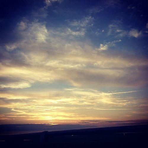 . イマソラ ダレカニミセタイソラ この同じ空のもと僕らはigでつながっている 夕日 夕焼け そら ソラ 空 sky 太陽 sun sunset