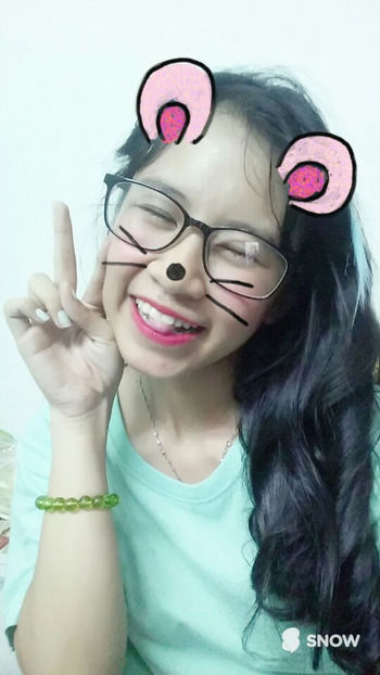 Mắt Hí Glass New Hair Khitoi18 18 Piaoliang Vietnamese V Style Hớn Ha Hớn Hở 很可爱 Selfie ✌ Snow Hihi Natural Beauty Mouse Smile Night Beautiful Cute Girl Made By Sister